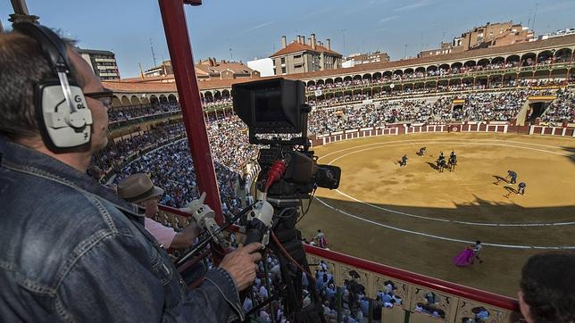 PACMA denuncia a RTVE por la emisión de corridas de toros